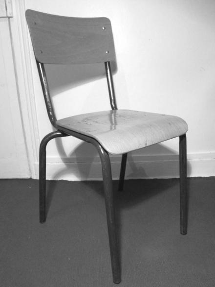 chaise d'écolier, taille adulte