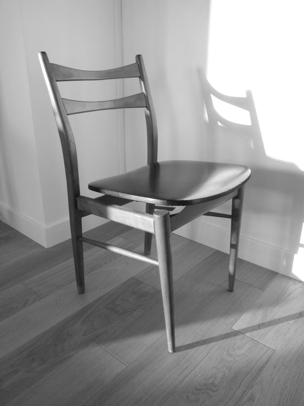 Elégante et élancée, une chaise qui donne de l'allure (scandinave) à n'importe quel intérieur