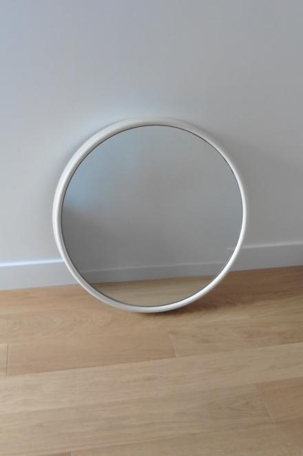 Miroir rond blanc années 60