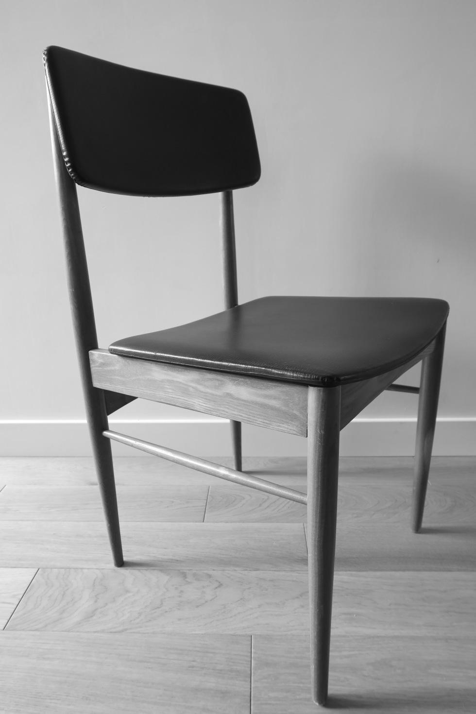 Chaise scandinave classique 2