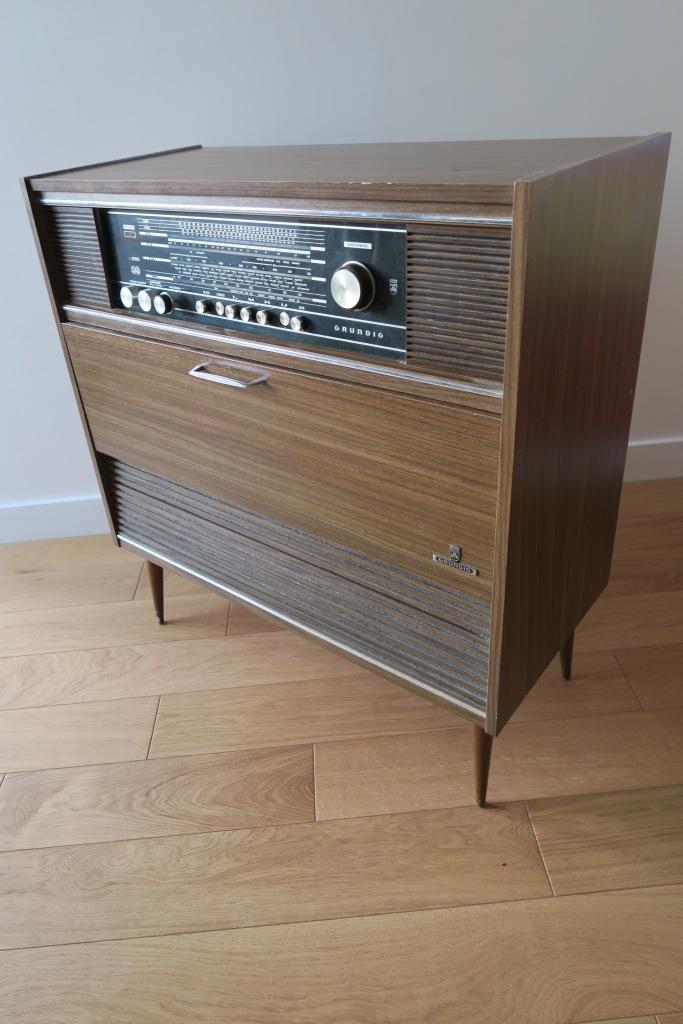 D j adopt meuble radio grundig vintage les petits for Meuble hifi vintage